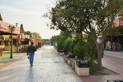 空的秋天步行大道Paralia在黑海手段村庄 免版税图库摄影
