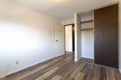 空的空置公寓室 库存照片