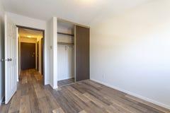 空的空置公寓室 库存图片