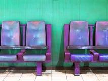 空的等候室椅子 免版税库存照片