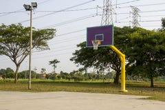 空的篮球场箍网 免版税图库摄影