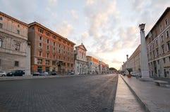 空的罗马街道 免版税库存图片
