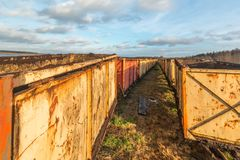 空的老推车火车泥煤采矿的 库存照片