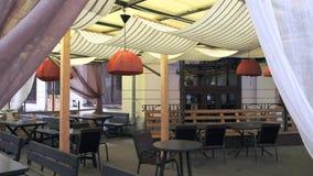 空的街道咖啡馆缓慢的全景 影视素材