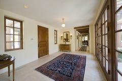 空的走廊在房子里 免版税图库摄影