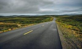 空的路在北挪威 免版税库存照片