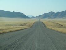 空的路标题到天际里 纳米比亚 库存图片