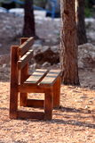 空的长凳 免版税库存照片