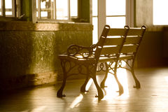 空的长凳 免版税图库摄影