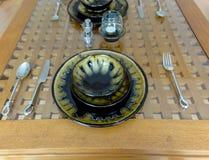 空的陶瓷餐位餐具 库存图片