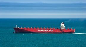 空的集装箱船Monte移动由海的萨缅托 不冻港海湾 东部(日本)海 27 05 2014年 库存图片