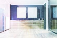 空的黑室,被定调子的方形的海报 免版税库存图片
