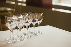 空的玻璃餐馆集 图库摄影