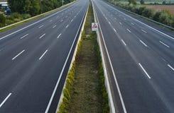 空的8车道高速公路 免版税库存照片