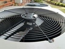 空调装置上面房子外 免版税库存图片