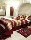 空间内部伯根地酒床罩黄铜卧铺上部隔板 库存图片