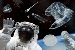 空间残块 在空间和宇航员的塑料残骸 美国航空航天局装备的这个图象的元素 图库摄影