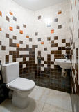空间简单的洗手间 库存照片