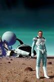 空间飞行员太空飞船和行星表面 免版税图库摄影