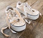 穿上鞋子夏天 免版税库存照片