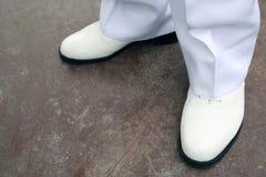 穿上鞋子白色 库存照片