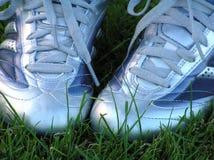 穿上鞋子足球 库存图片