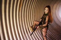 穿军服的女孩 库存照片