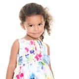 穿花夏天礼服的小西班牙女孩 免版税库存照片