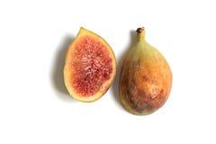 穿过在白色背景的成熟无花果果子 免版税库存照片