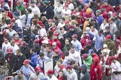 穿过票门的棒球迷 免版税图库摄影