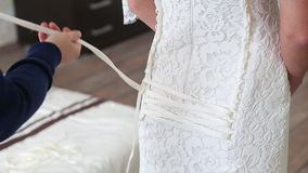 穿戴婚礼礼服 股票视频