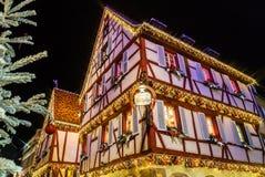 突出在科尔马,阿尔萨斯,法国的美妙的圣诞节 Stre 免版税图库摄影