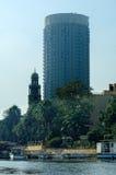 突出的大厦在街市开罗 埃及 免版税库存图片