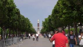 突尼斯,突尼斯- 2018年6月06日:突尼斯大钟楼大本钟因而命名了以纪念宰因・阿比丁・本・阿里,秒钟 影视素材