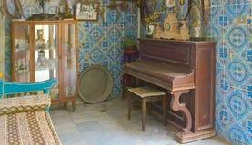 突尼斯,苏斯 2016年9月19日 博物馆Dar Essid 一个古老阿拉伯房子的内部的片段 图库摄影