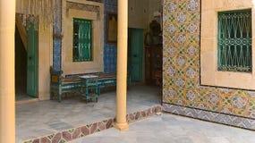 突尼斯,苏斯2016年9月19日 博物馆Dar Essid 一个古老阿拉伯房子的内部 库存照片