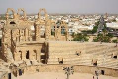 突尼斯,非洲- 2012年8月03日:ElJem的大剧场在夏天 库存图片
