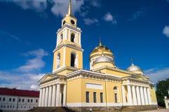 突然显现大教堂在湖的塞利格,特维尔地区Nilov修道院里 免版税库存图片