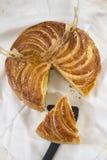 突然显现蛋糕galette des罗伊斯,国王蛋糕 库存照片