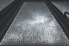 窗口丝毫雨 库存图片