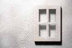 窗口和墙壁在霜 免版税库存图片