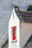 窗口和雕塑 免版税库存照片