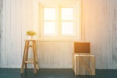 窗口在家在屋子里 库存图片