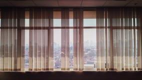 窗口在教室 免版税库存图片