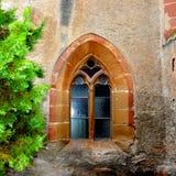 窗口在被加强的中世纪教会金巴夫,特兰西瓦尼亚里 库存图片