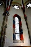 窗口在Carta中世纪修道院教会里在锡比乌, Transilvania附近的 免版税库存照片
