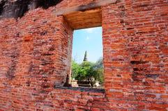 窗口老砖 免版税库存照片