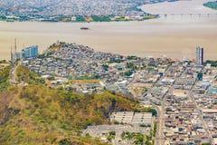 从窗口飞机的瓜亚基尔海岸鸟瞰图 免版税库存照片