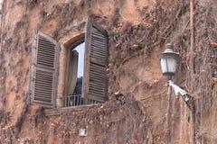 窗口,喝酒街灯 免版税库存图片