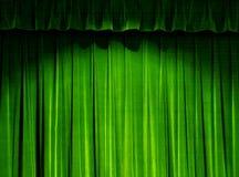 窗帘绿色剧院 免版税库存图片